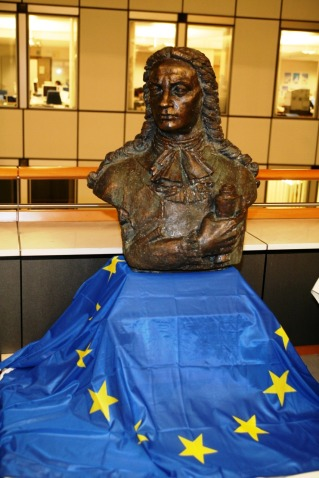 30 Noiembrie 2010, bustul lui Cantemir este dezvelit de Tricolor in Parlamentul European