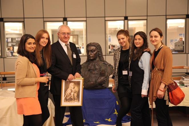 Echipa de organizare a evenimentului - asistenti Europalamentari
